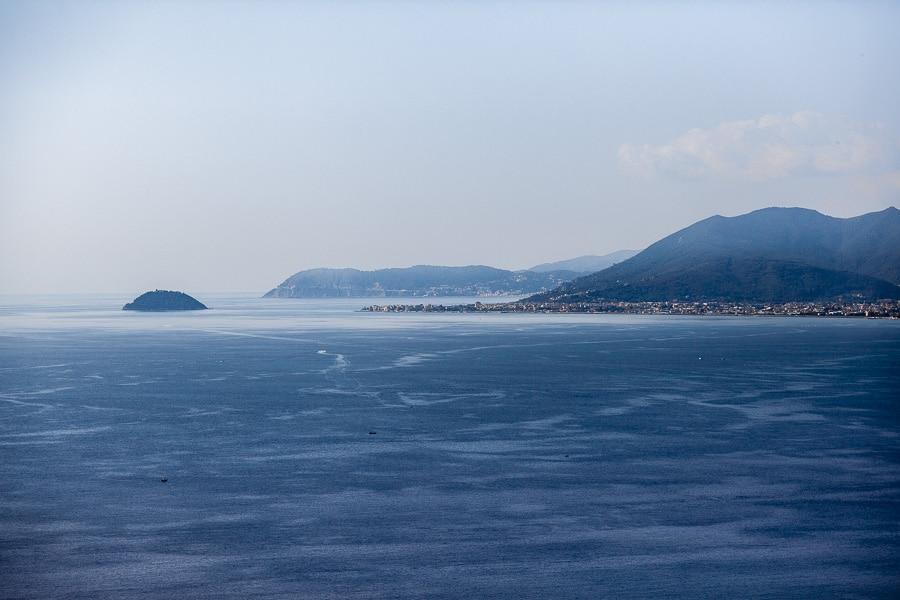Vista mare dal borgo di Verezzi Liguria